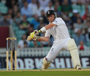 Ian Bell hits one away at The Oval (photo: ESPN Cricinfo)