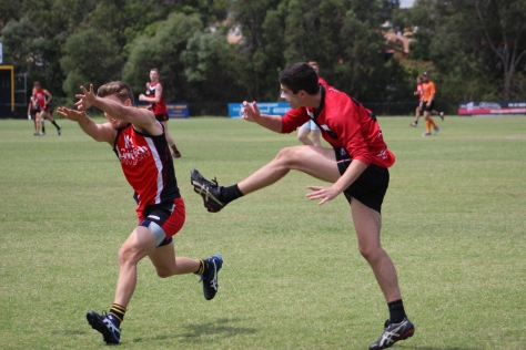 La Trobe (right) v Griffith on Thursday at Labrador (photo mine)