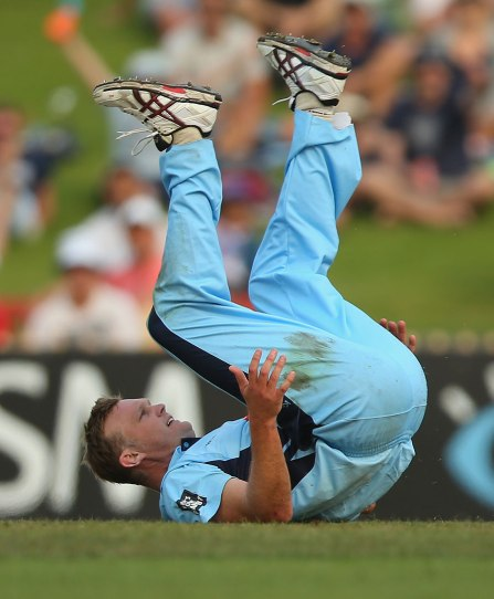 Doug Bollinger in action during the 2013 Ryobi Cup (source: ESPN Cricinfo/Getty Images)