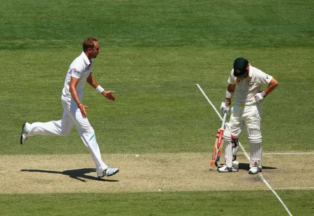 Stuart Broad celebrates the dismissal of David Warner (source: ESPN Cricinfo/Getty Images)