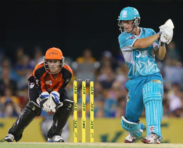 The star of BBL|03 round 1, Chris Lynn (ESPN Cricinfo/Getty Images)