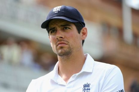 Alastair Cook's facial expression says it all (photo: The Mirror)