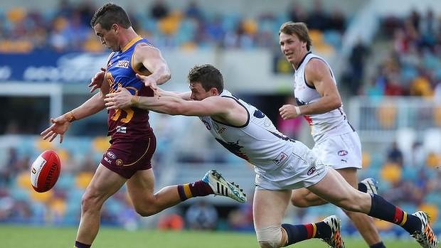 Tom Rockliff v Adelaide (photo: Getty Images)