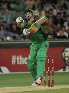 Kevin Pietersen takes one on the body at the MCG (photo: Davis Harrigan